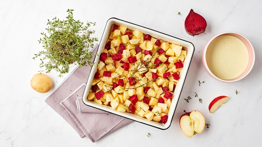 Gratin van rode biet, aardappel en appel