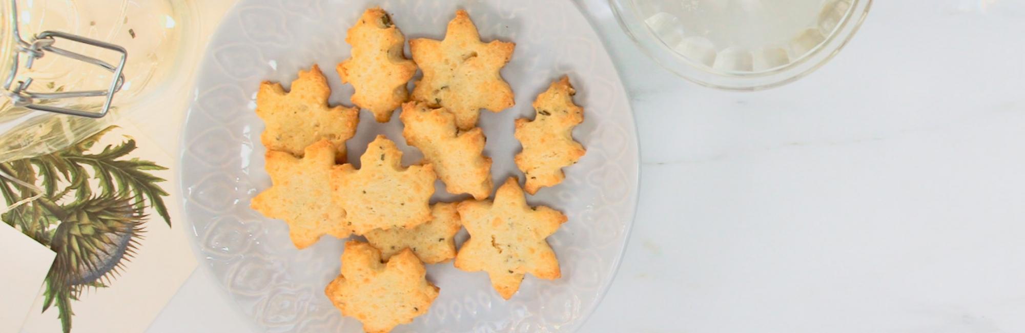 Zandkoekjes, rozemarijn, parmezaanse kaas