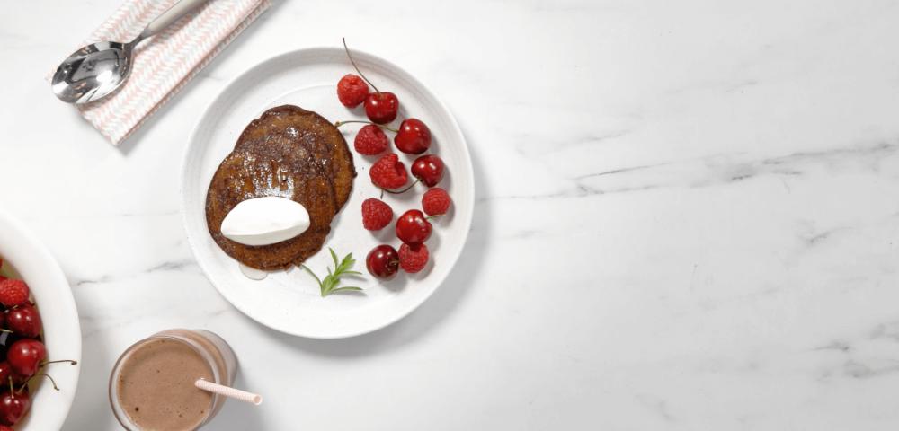 Pancakes, chocolat, fruits