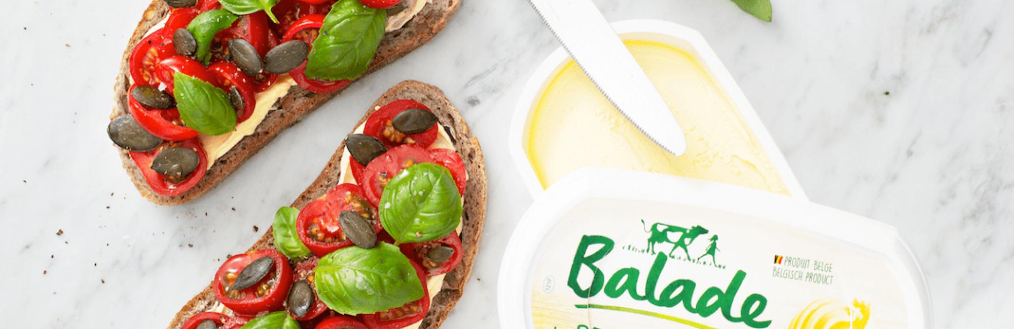 Boterham met tomaat en basilicum