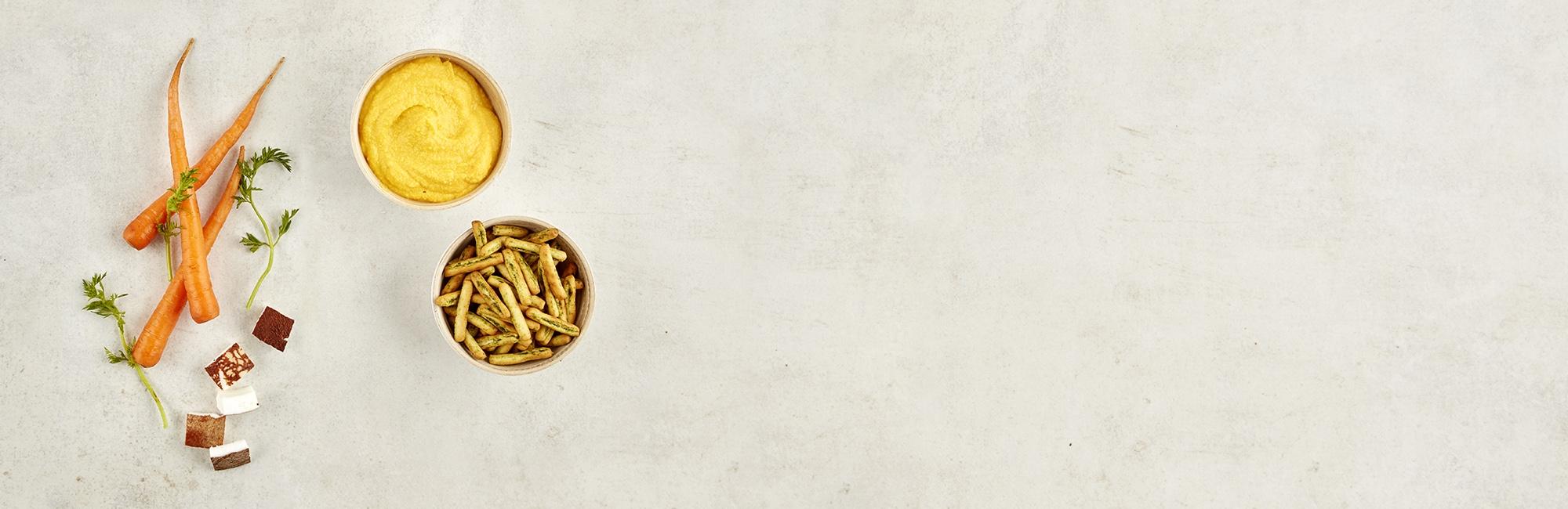 Carotte, noix de coco fraîche, crackers, dip