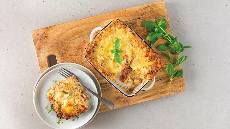 vegetarische lasagne, basilicum