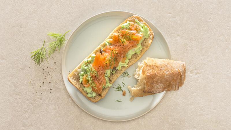 Ciabatta de saumon au wasabi, raisins et céleris
